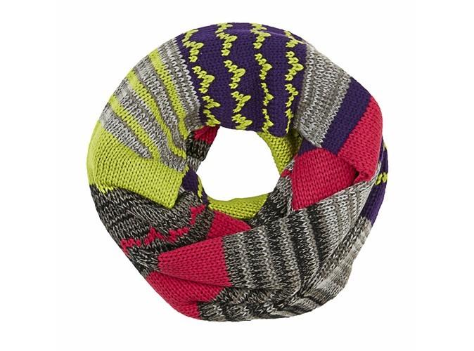 4 - Écharpe multicolore, Hummel, 45€
