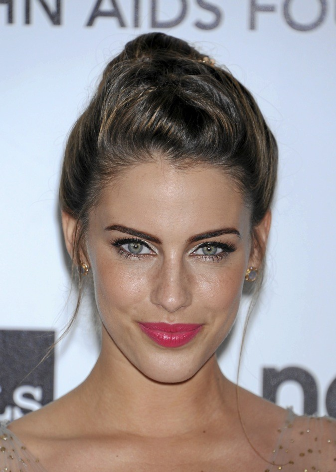 Le make-up attrape-coeur de Jessica Lowndes : canon le gloss bonbon !