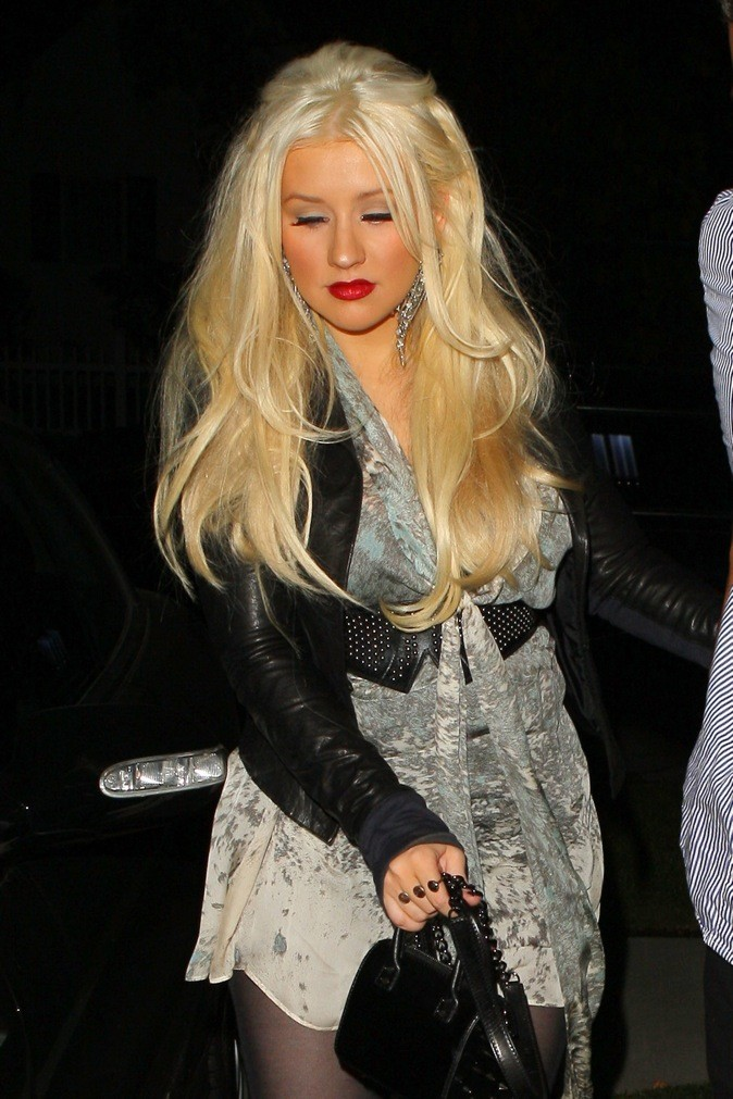 Christina Aguilera, plus orange, tu meurs!