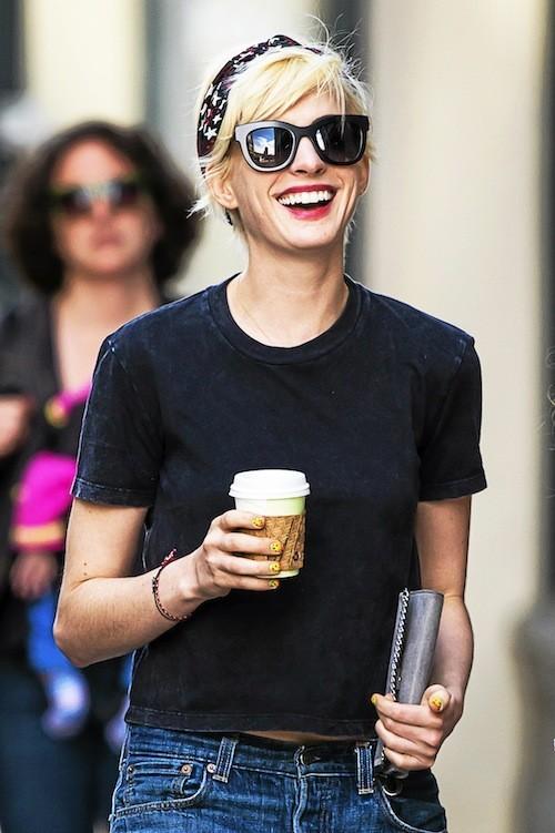 Le blond peroxydé d'Anne Hathaway