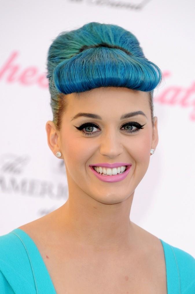 Même en pastels, Katy est belle !