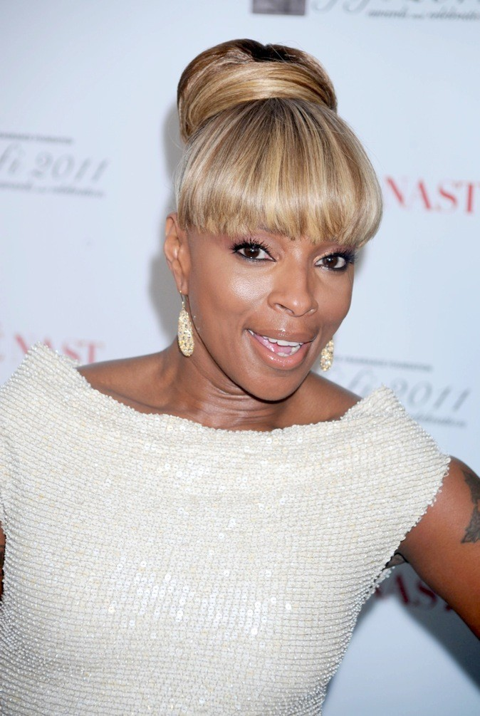 Mary J Blige en mode chignon blond !