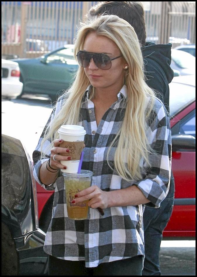 Lindsay Lohan: sa manucure voit rouge!