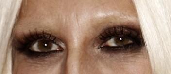 A qui sont ces sourcils ?