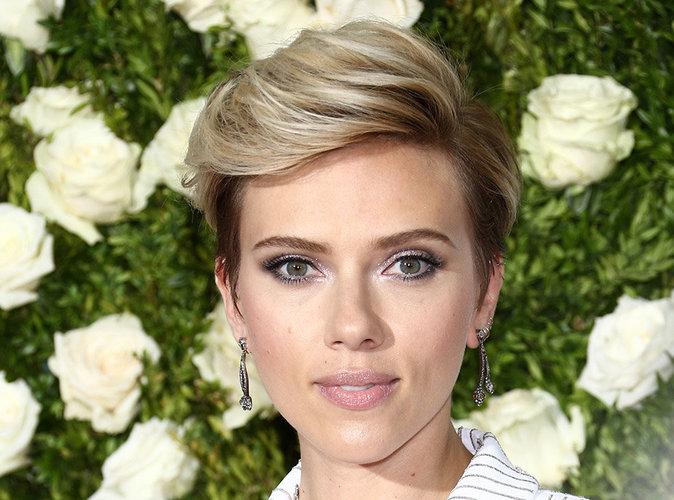 Beauté : On reproduit le maquillage rock et chic de Scarlett Johansson aux Tony Awards 2017