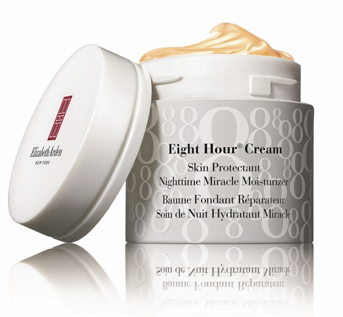 Une peau parfaite : Soin de nuit Eight Hour Cream, Elizabeth Arden 40 €