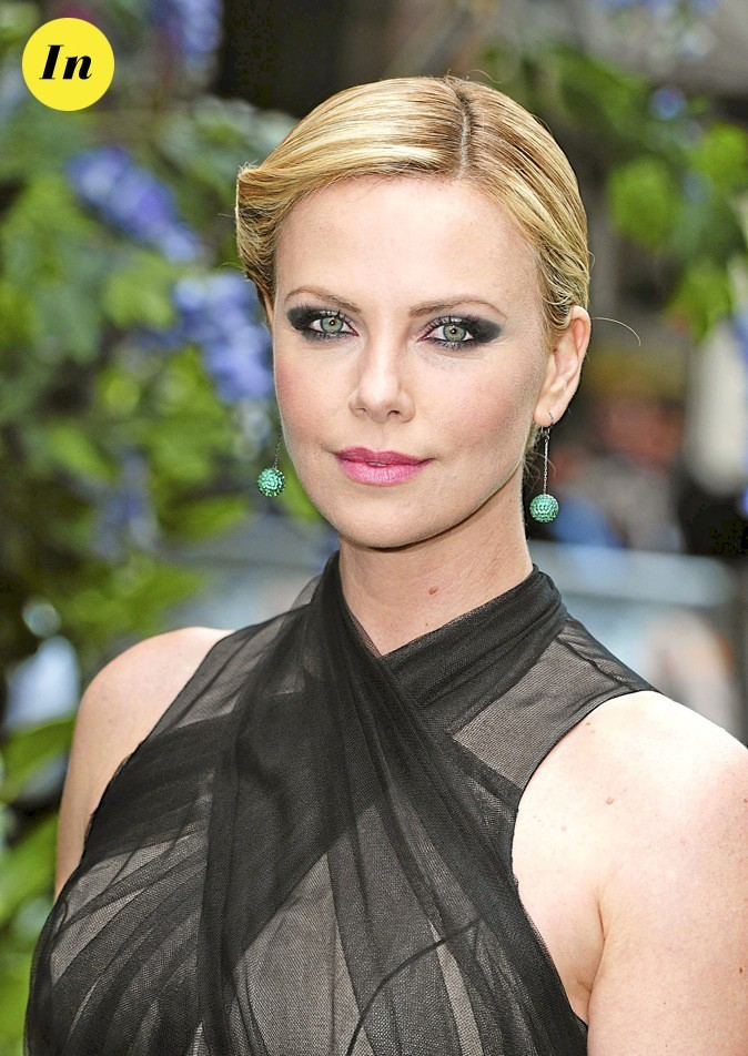 Le smoky Eye de Charlize Theron : in !