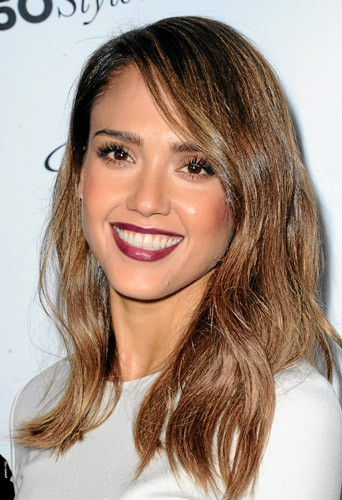 Adoptez le make-up Nude Rock comme Jessica Alba !