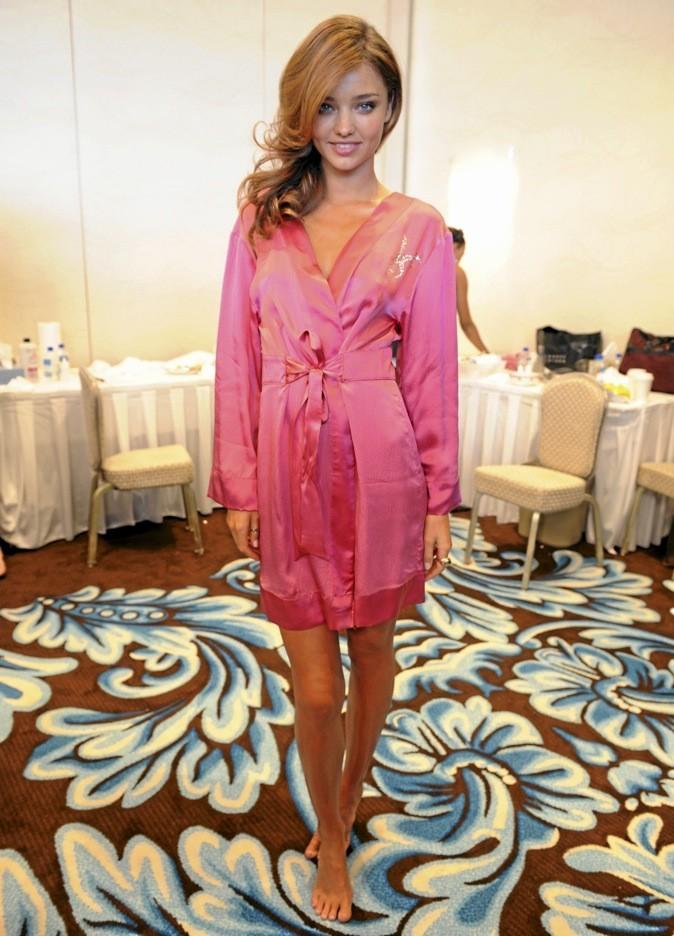 Miranda Kerr, l'égérie Victoria's Secret n'a pas le choix que d'afficher des gambettes toujours au top !