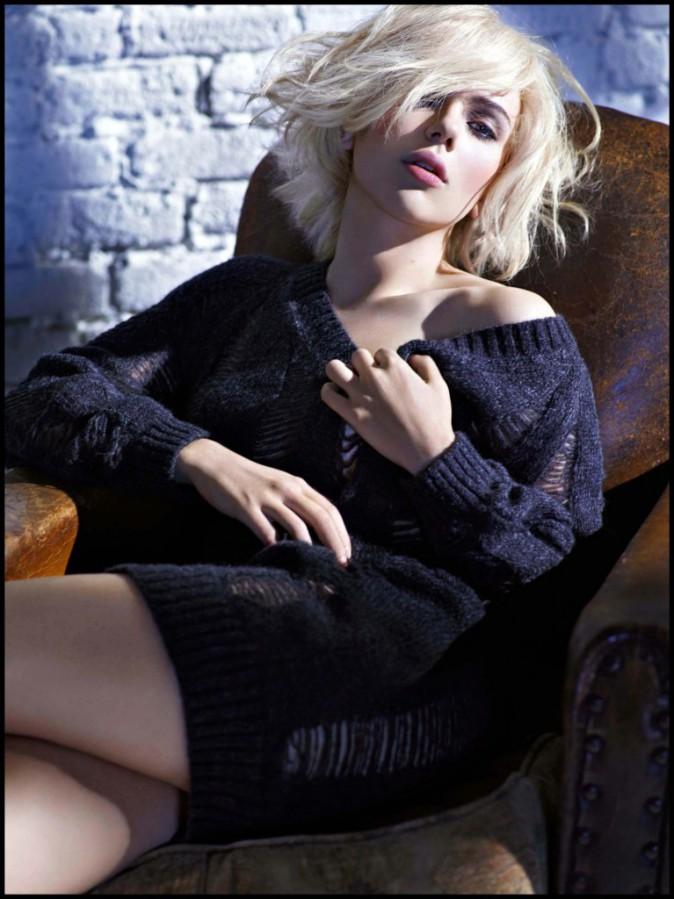 """Scarlett Johansson : Des soins """"doudou"""" et une grosse maille pour passer l'hiver en beauté."""