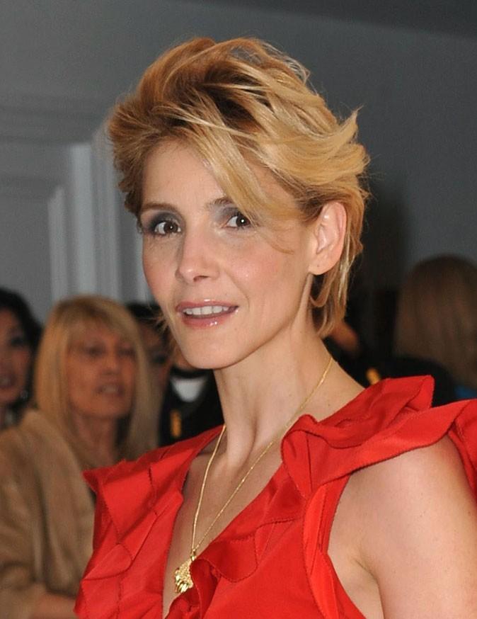Festival de Cannes 2011 : la coiffure cheveux courts de Clotilde Courau en 2010 !