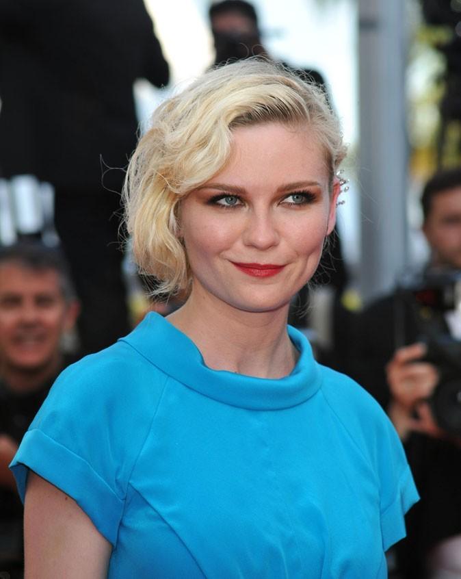 Festival de Cannes 2011 : la coiffure cheveux rétro de Kirsten Dunst en 2010 !