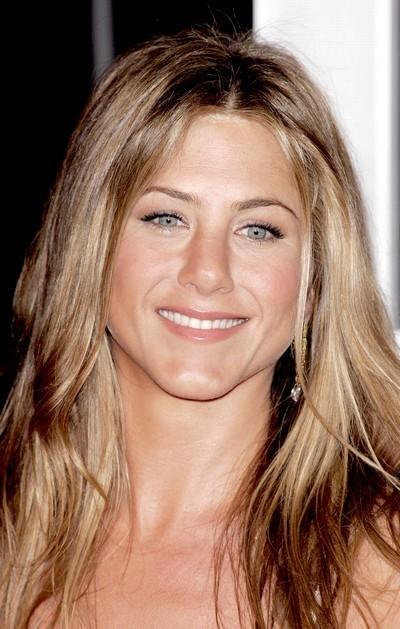 Jennifer Aniston : ses cheveux avec une frange en janvier 2007