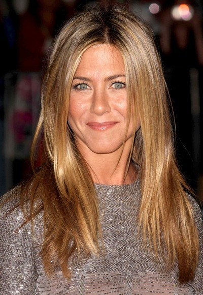 Jennifer Aniston : ses cheveux longs avec un brushing naturel en septembre 2009