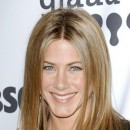 Jennifer Aniston : ses cheveux longs lissés en avril 2007