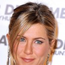 Jennifer Aniston : une coiffure queue de cheval en mars 2010