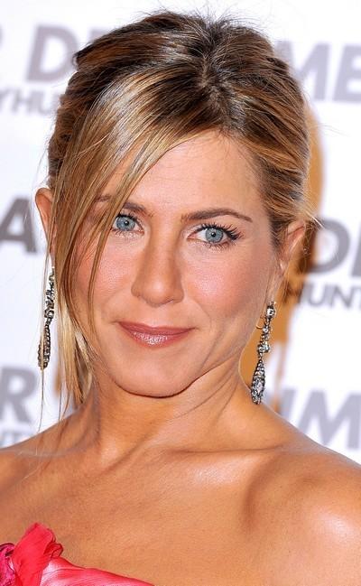 Jennifer Aniston : une coiffure queue de cheval en mars 2010