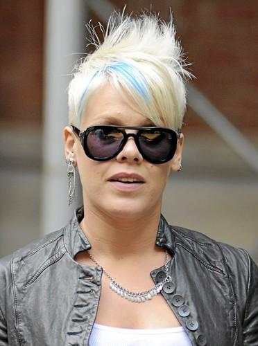 Cheveux bleu Schtroumpfette : Pink