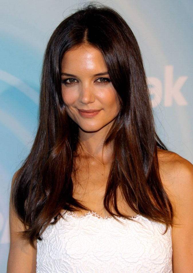 Star brune : les cheveux marron chocolat de Katie Holmes