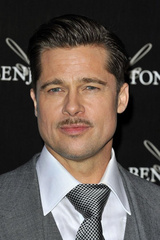 Barbe de Brad Pitt :  la moustache courte en 2009