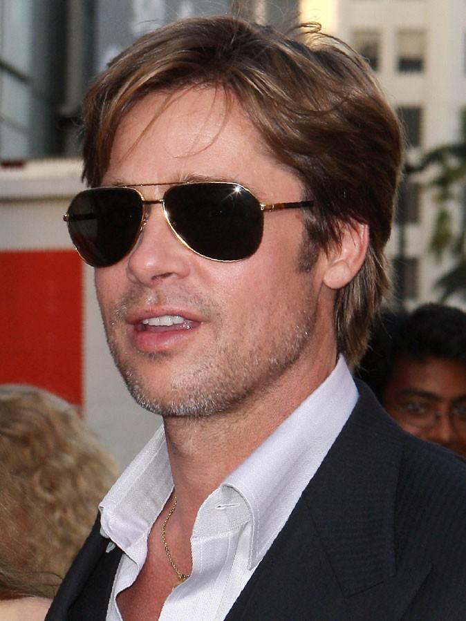 Coiffure de Brad Pitt : le brushing sur cheveux courts en 2010