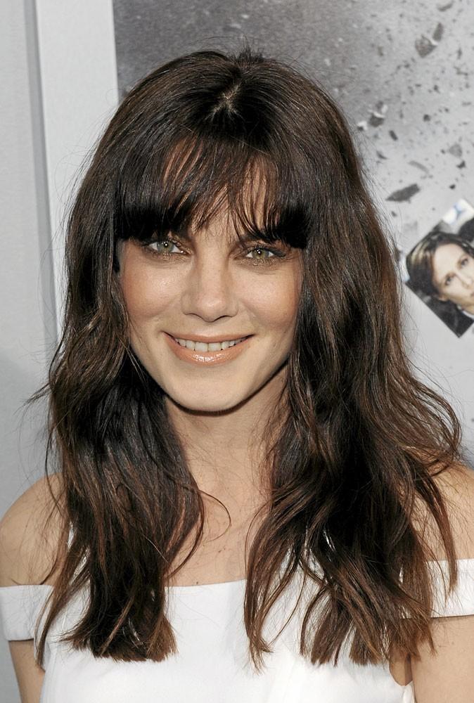 Coiffure de star printemps-été 2011 : la frange de Michelle Monaghan