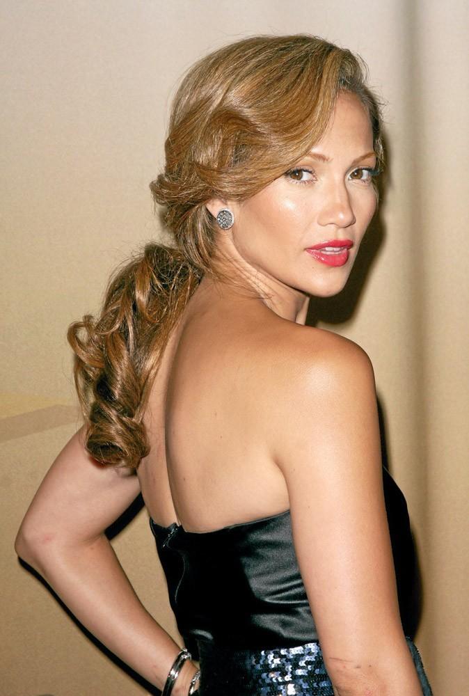 Coiffure de star : la queue de cheval basse de Jennifer Lopez en 2006 !