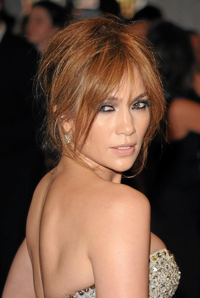 Coiffure de star : le coiffé-décoiffé de Jennifer Lopez en 2010 !