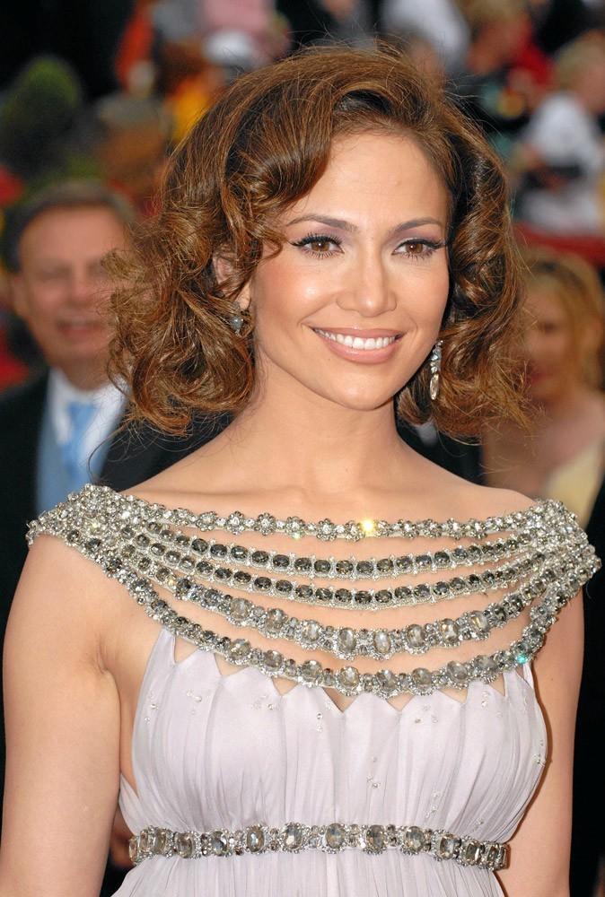 Coiffure de star : les boucles rétro de Jennifer Lopez en 2007 !