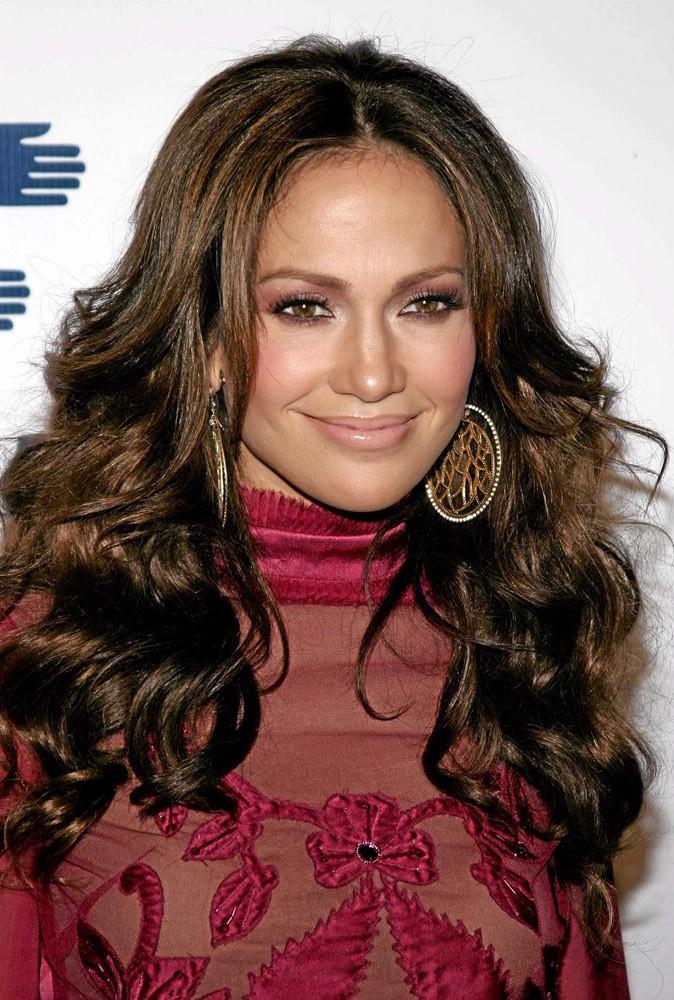Coiffure de star : les cheveux ondulés de Jennifer Lopez en 2006 !