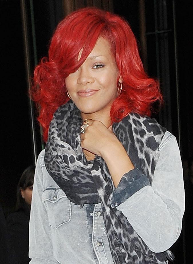 Coiffure de star : le brushing sur cheveux rouges de Rihanna en 2010