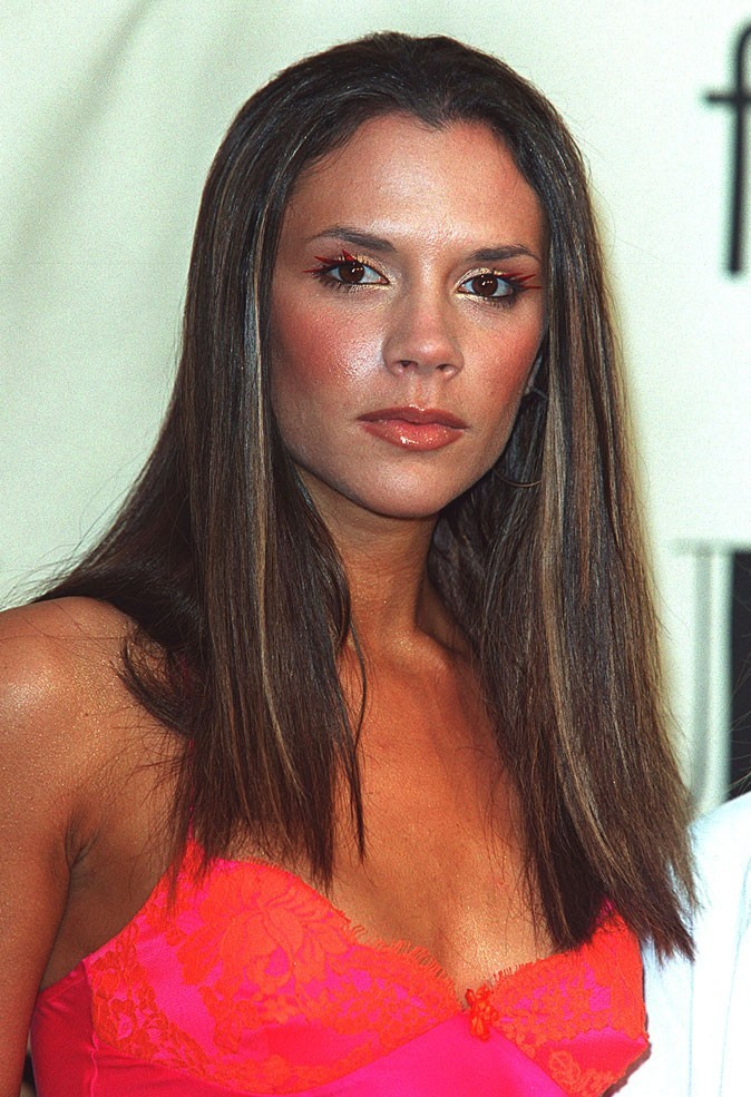 Les cheveux longs lisses de Victoria Beckham en 2000 !