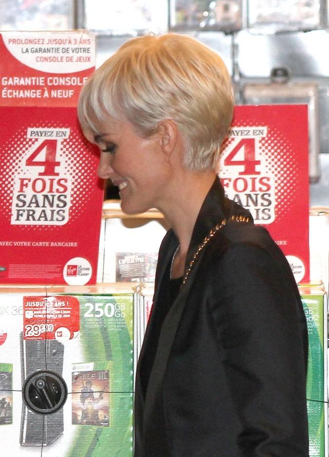 Coiffure de star : le nouveau blond de Laeticia Hallyday le 27 mars 2011
