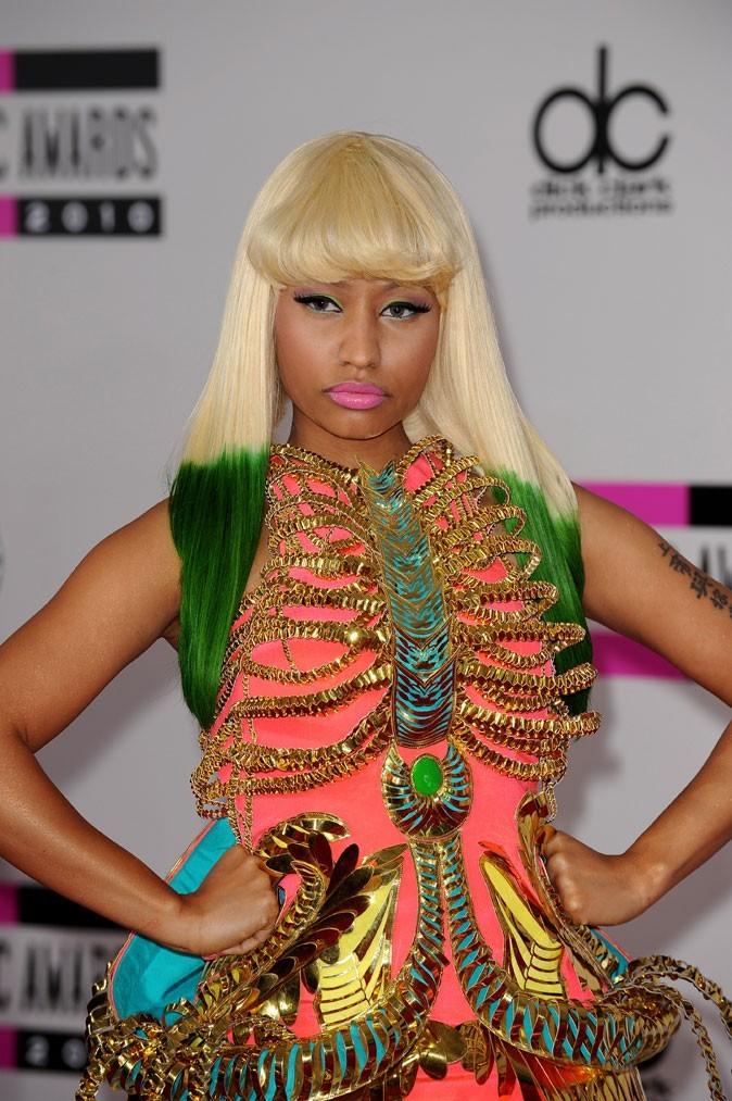 Coiffure de star : la perruque blonde de Nicki Minaj