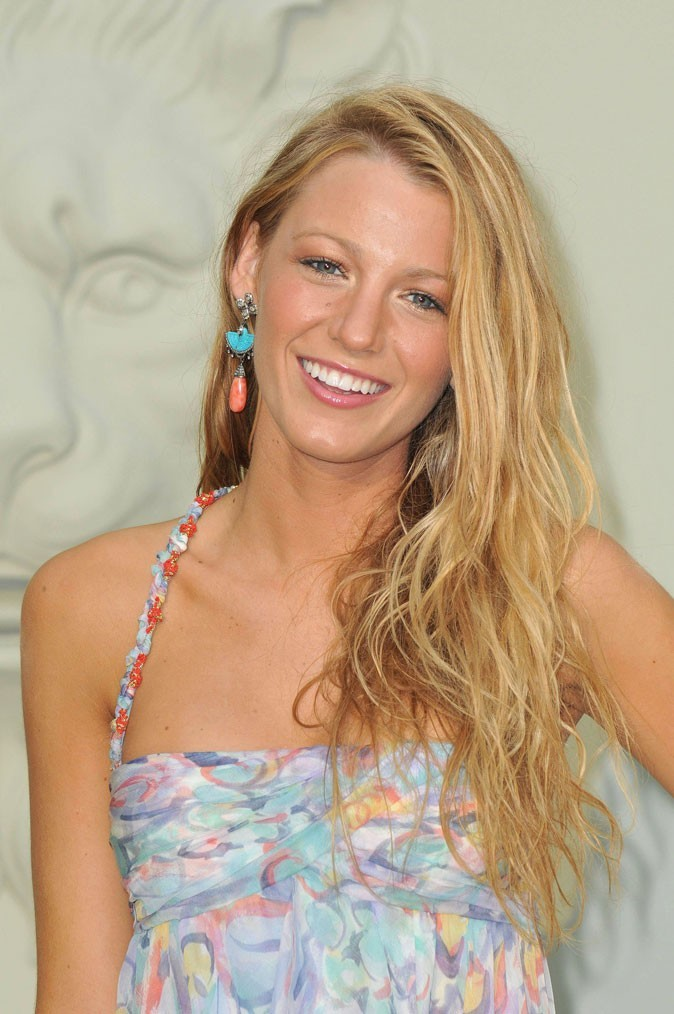 Coiffure de star : les cheveux blonds de Blake Lively