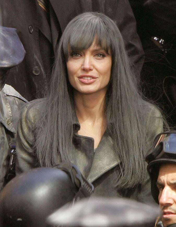 Angelina Jolie : une perruque brune en 2009 pour le film Salt