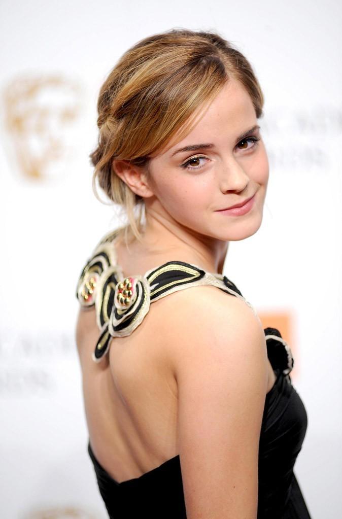 Le chignon bas d'Emma Watson en Février 2009 !