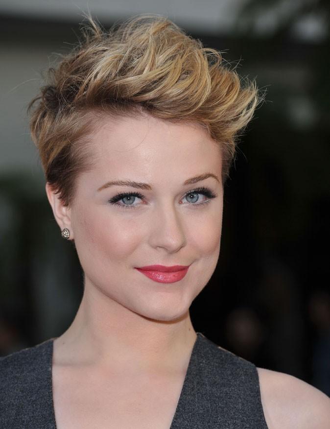 Evan Rachel Wood : des cheveux courts et blonds en juin 2011