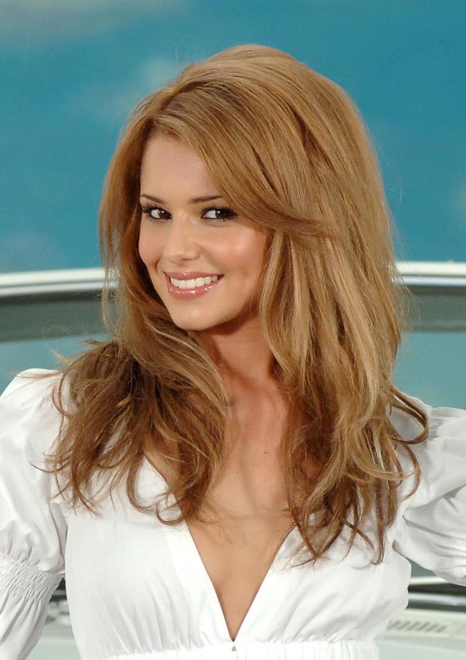 Coiffure de Cheryl Cole en juillet 2006 : un brushing glamour
