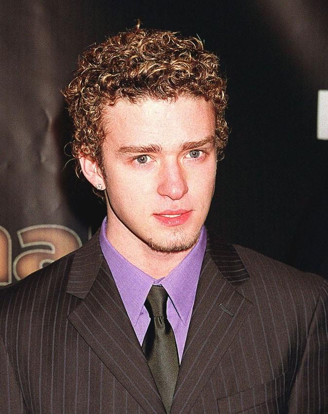 Coiffure de Justin Timberlake en 2000 : du frisé, toujours du frisé avec un petit bouc !
