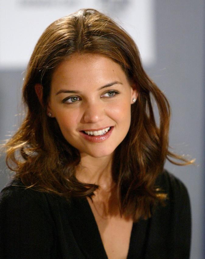 Coiffure de Katie Holmes en septembre 2003 : des longueurs wavy