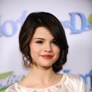 Coiffure de Selena Gomez en janvier 2009 : un chignon bas