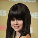 Coiffure de Selena Gomez en novembre 2008 : une frange lissée