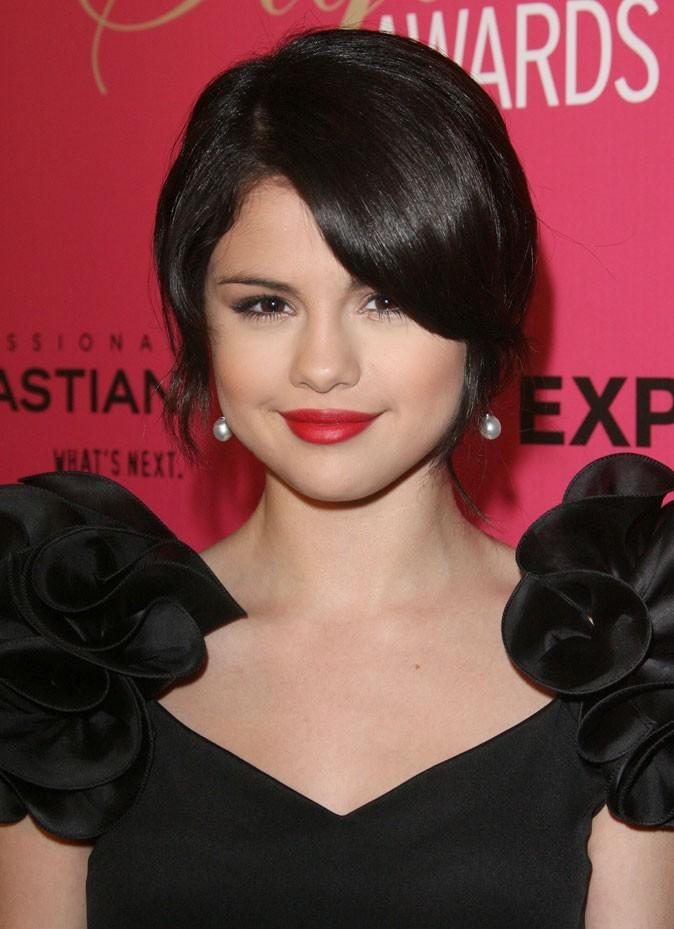Coiffure de Selena Gomez en octobre 2009 : un chignon bas
