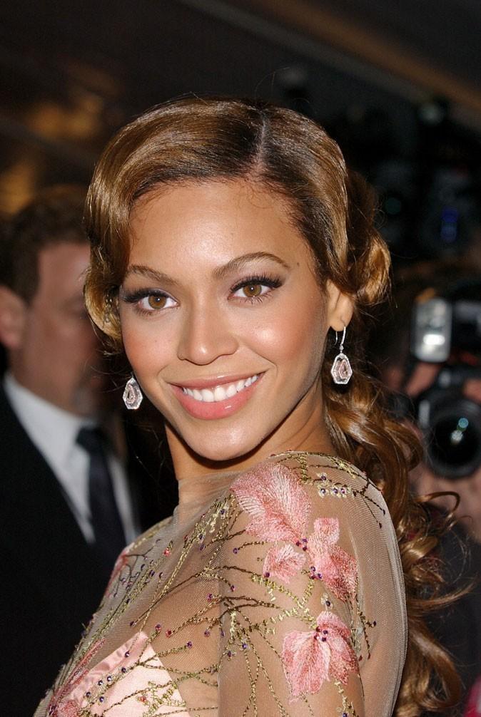 La coupe rétro de Beyoncé en Février 2006 !