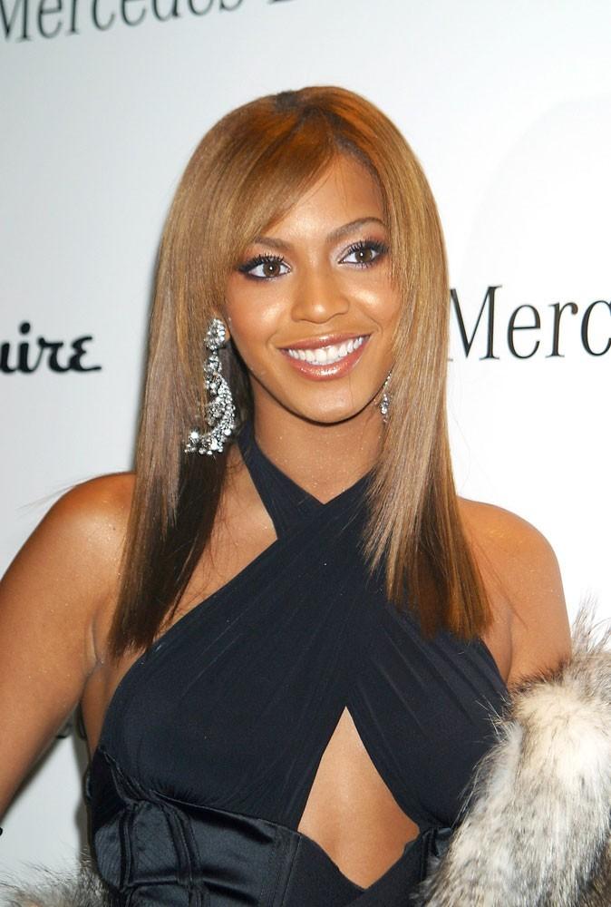 Les cheveux lisses de Beyoncé en Octobre 2003 !