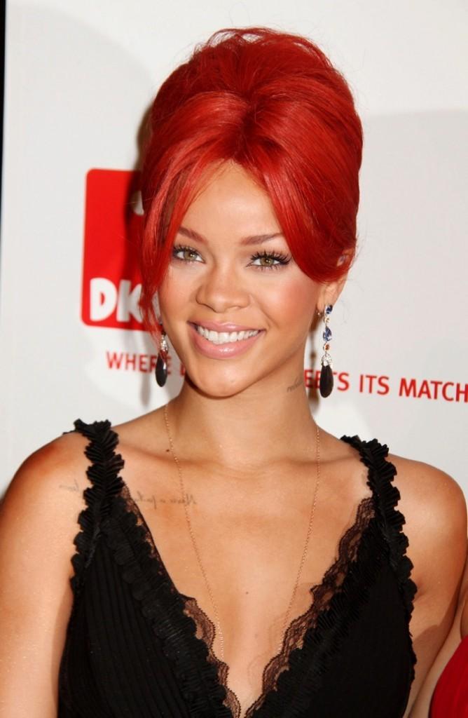 Avril 2011 : Rihanna et ses cheveux rouges