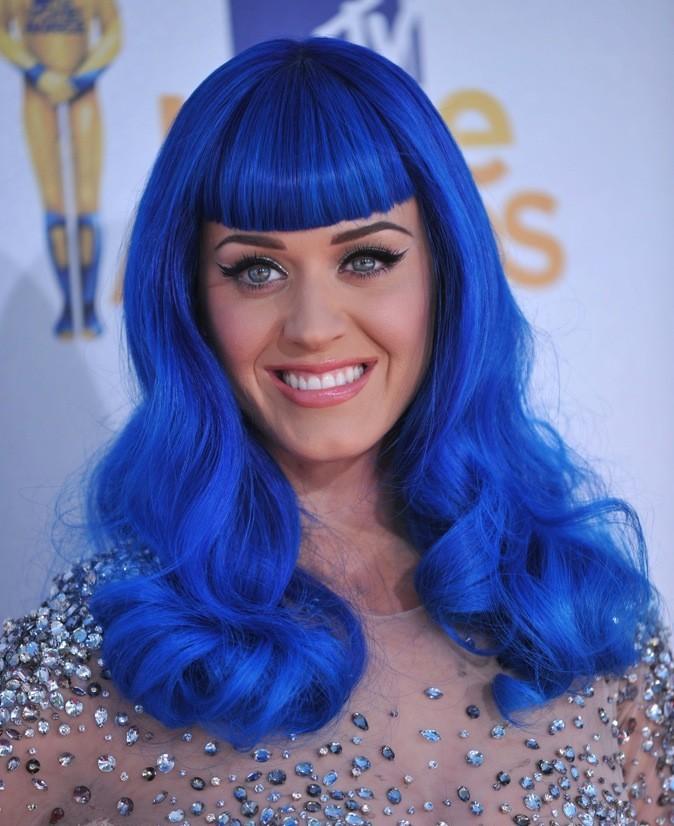 Juin 2010 : Katy Perry avec les cheveux bleus