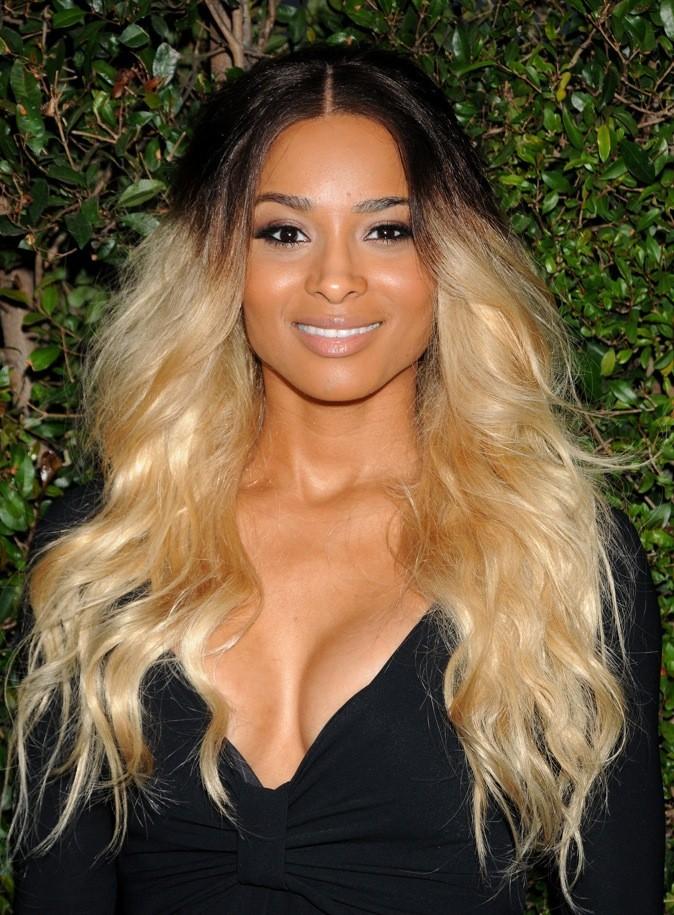 Ciara a le cœur qui balance entre blonde ou brune!