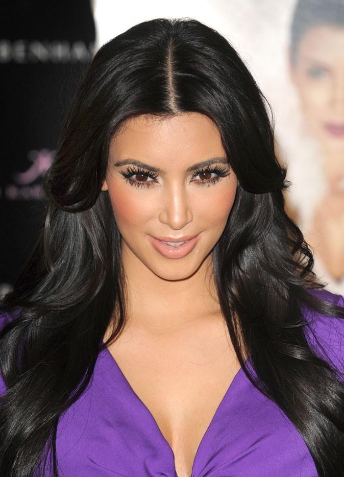 Kim Kardashian sans frange